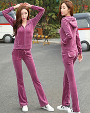2018 spring and autumn new style pocket plaid, velvet sports suit, casual wear, bell bottomed trousers, European station girl.