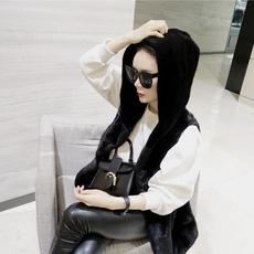 Одежда из меха Qiu Shezhen