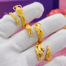 A couple of dragon and Phoenix rings for men and women