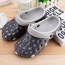 Men's and women's large head, individual antiskid, kitchen sandals in summer by the sea