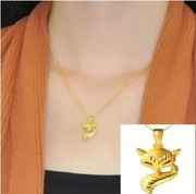 18K gold pendant necklace Ms. genuine 18K gold CTF little fox girls water ripple chain clavicle